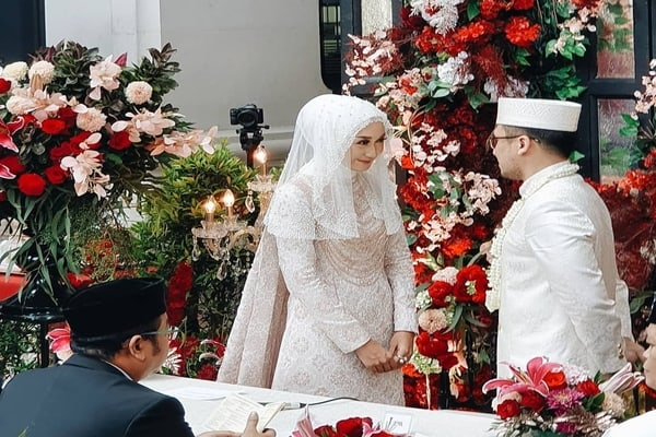 Acara ijab kabul pernikahan Dian Pelangi dan Sandy Nasution / Instagram dionmuharom