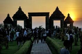 Ratusan Mahasiswa Ikuti Kegiatan Hijaukan Situs Ratu…