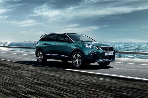Peugeot 5008, SUV 7-seater.  - foto media.peugeot.ph