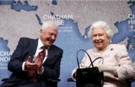 Ratu Elizabeth Anugerahi David Attenborough Penghargaan Lingkungan
