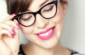 Memilih Kacamata Sesuai dengan Bentuk Wajah