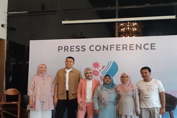 Press Conference Wardah Inspiring Teacher di Hotel Atlet Century, Jakarta Selatan pada Jumat (22/11/2019) - Bisnis.com - Ria Theresia Situmorang