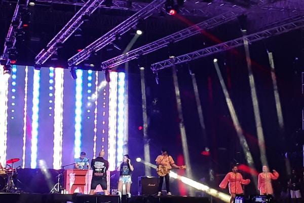 Aqua di The 90's Festival - Bisnis.com - Ria Theresia Situmorang