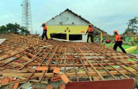 Angin Puting Beliung Rusak Bangunan dan Lukai Warga di Ngawi
