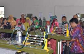 Dorong Produksi Batik, BBKB Kemenperin Ciptakan Alat Cap Otomatis