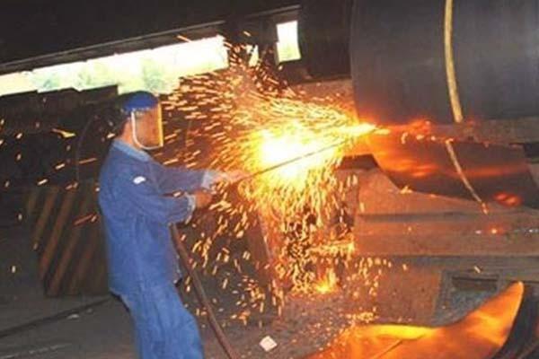 Proses produksi di pabrik milik PT Krakatau Steel - Antara