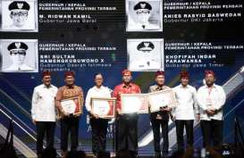 Ridwan Kamil Terima Penghargaan Gubernur Terbaik Wilayah Tengah di Kadin Award 2019