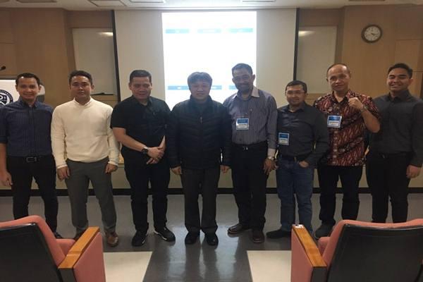 Daewoong Group memberi kesempatan kepada dokter muda dari Indonesia untuk mengetahui teknologi bedah tulang terkini di Korea Selatan. - Istimewa