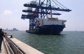 Pelindo IV Tambah Dua Unit Alat Bongkar Muat Skala Post Panamax