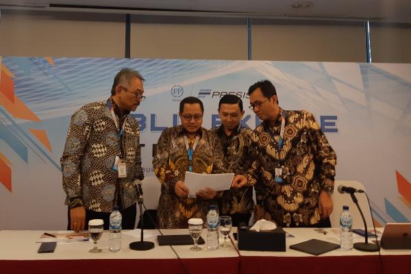 Jajaran direksi PT PP Presisi Tbk. seusai menyampaikan paparan publik di Jakarta pada Kamis (21/11/2019). - Bisnis/Annisa Sulistyo Rini