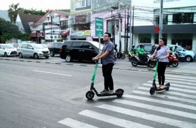 Dishub Kota Bandung Klaim Sudah Imbau Warga tak Main Otopet Listrik di Jalan Raya