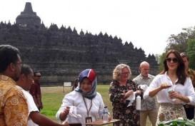 Putri Mahkota Denmark Mary Elizabeth Kagum dengan Candi Borobudur
