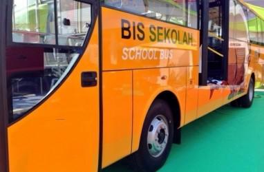 Rute Bus Sekolah Bayar Sampah di Mataram Diminta Diperluas