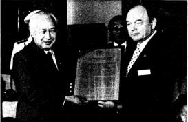 Historia Bisnis : Program KB yang Nobatkan Pak Harto Raih Penghargaan