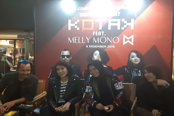 Kotak bersama Melly Mono (kedua kiri) di M Bloc Space, Jakarta Selatan, pada Jumat (6/12/2019). - Bisnis.com/Ria Theresia Situmorang