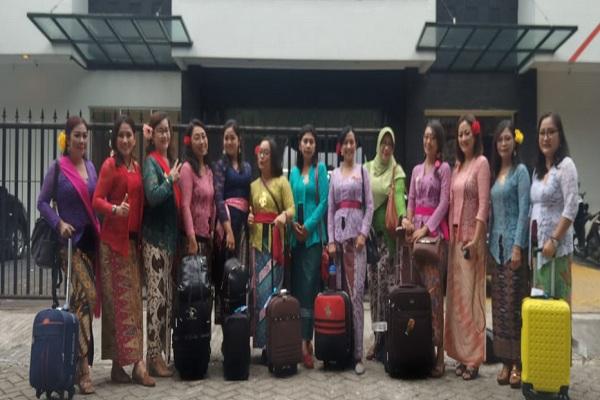 Perempuan Berkebaya Indonesia memperkenalkan kebaya ke Bangkok Thailand. - Dok. PBI