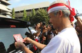 Ingatkan Antikorupsi, Ribuan Pelajar Tempel Stiker di Mobil PNS Jateng