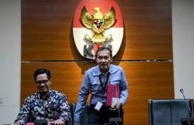 Ketika Pimpinan KPK Saut Situmorang Gagal Peluk Jokowi