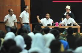 Presiden Jokowi Pangling Lihat Nadiem Makarim yang Pakai Seragam SMA