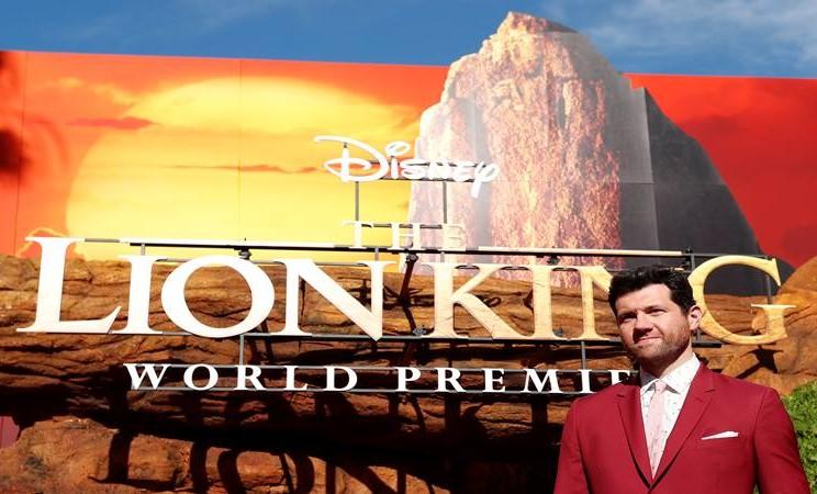 "Aktor Billy Eichner berpose saat premiere ""The Lion King"" di Los Angeles, California, AS, 9 Juli 2019. - Reuters"