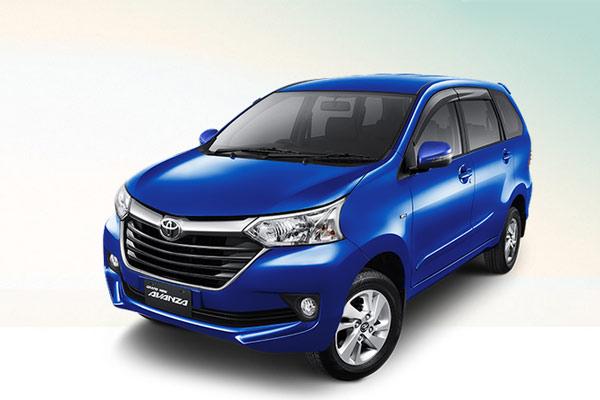 Taksi Online Berkembang, Penjualan Toyota Transmover ...