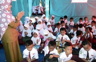 Guru di Pedalaman Lebak Terima Gaji Rp150.000 per Bulan