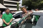 BEBAS ATURAN GENAP-GANJIL : Mobil Penumpang Mulai Menguning