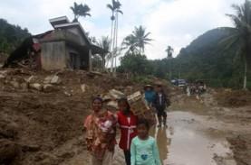 Korban Banjir Solok Selatan Dievakuasi, 5 Perahu Karet…