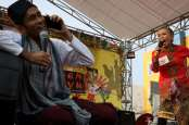 Serunya Lomba Adu Ngomel di Festival Betawi Kampung Melayu