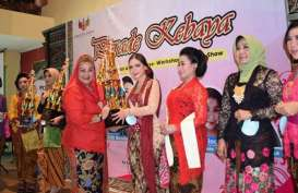 Komunitas Diajeng Semarang Gelar Parade Kebaya