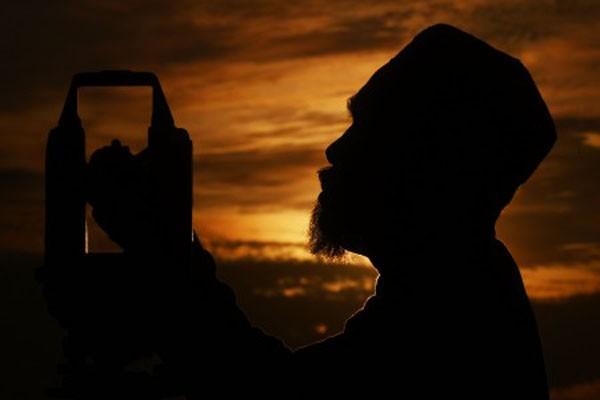 Ilustrasi aktivitas spiritual yang kerap kali merupakan jalan dalam proses pencarian makna hidup. - Antara/Zabur Karuru