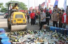 Amankan Nataru, Polres Semarang Hancurkan 5.000 Liter Miras