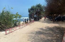 Ombak Pantai Selatan Bersahabat, Wisatawan Diimbau Tetap Hati-Hati