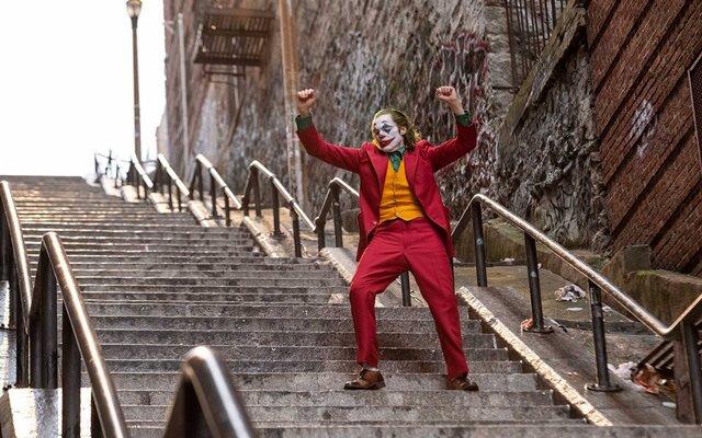 Salah satu adegdan dalam film Joker (2019), yang dibintangi Joaquin Phoenix. - Warner Bros