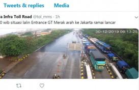 Gerbang Tol Merak Arah Jakarta Ramai, Hati-Hati Jalan Basah