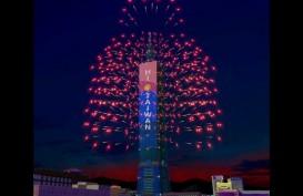 Gedung Taipei 101 Gelar Pesta Kembang Api dan Animasi Hewan Langka