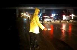 Jalan Tol Cipali di KM 136 Tergenang Air