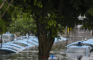 Banjir, Warga Jakarta Ramai-ramai Mengungsi ke Hotel