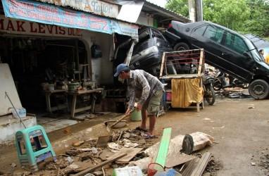 Kemendagri Keliling Bantu Penggantian Dokumen Korban Banjir