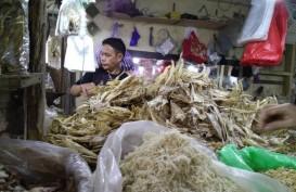 Cuaca Ekstrem Lambungkan Harga Ikan Laut di Makassar
