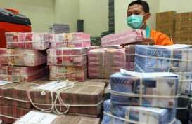 Simpanan Tumbuh Melambat, Bank Daerah Justru Anomali