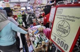 Anies Larang Kantong Belanja Plastik, Ini Sanksinya