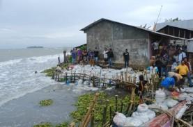 Bronjong Solusi Sementara Abrasi Pantai Galesong
