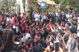 Ratusan Sopir Konvensional Datangi Gubernur Bali Minta…