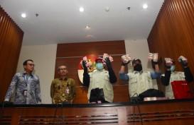 KPK Amankan Rp1,8 Miliar, Bupati Sidoarjo Dicokok di Rumah Dinas