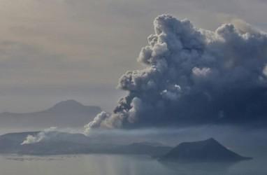 Status Gunung Taal Makin Berbahaya, Sekolah dan Bisnis di Manila Ditutup