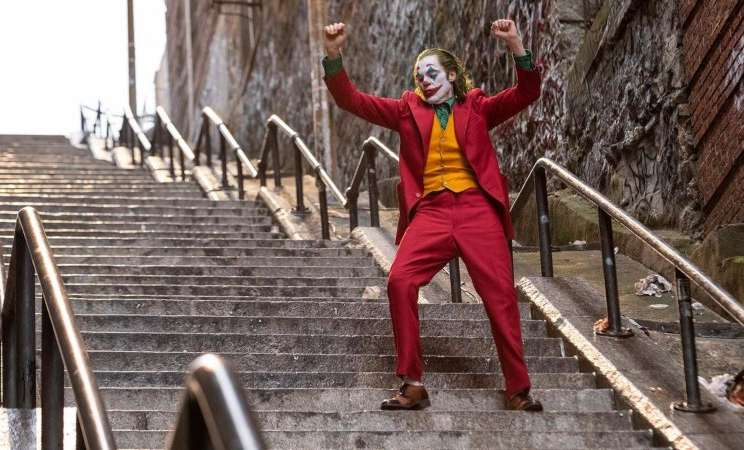 Salah satu adegan dalam film Joker, yang diperankan oleh Joaquin Phoenix. - Reuters