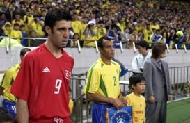 Legenda Sepak Bola Turki Hakan Sukur Bangkrut, Kini Jadi Sopir Taksi Online