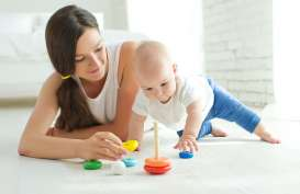 Saat Bermain Bersama, Otak Bayi & Orang Dewasa Terhubung