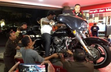 Korupsi Jiwasraya : Tiga Mobil Mewah dan Harley Davidson Disita